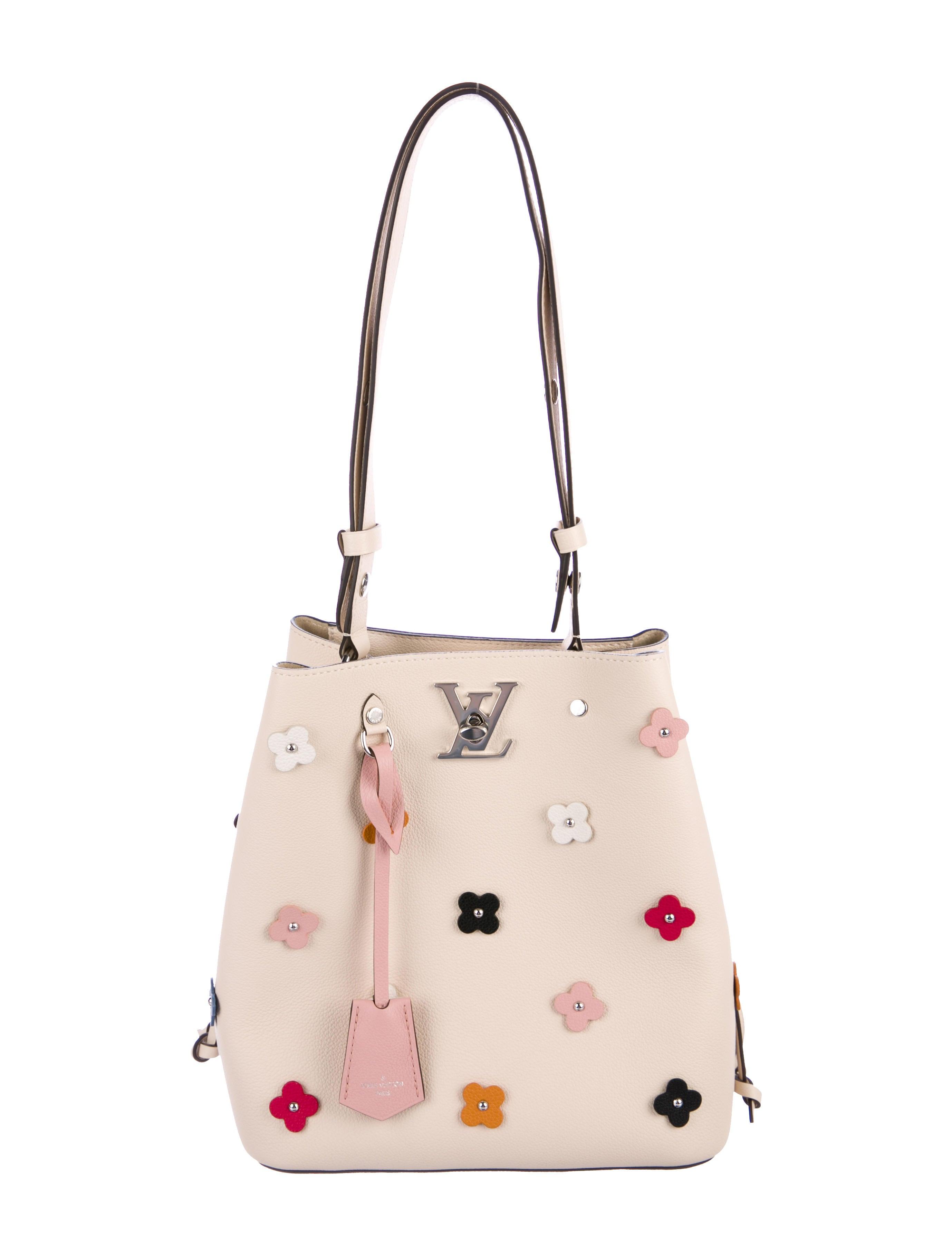 709ad3e4d9ed Louis Vuitton 2018 Lockme Bucket Bag - Handbags - LOU153573