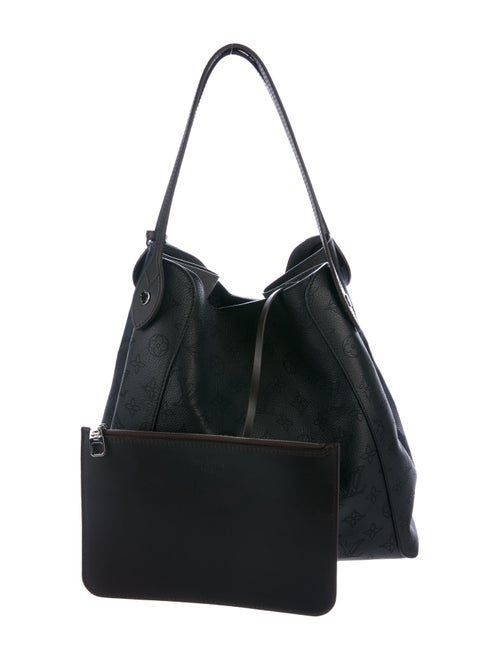 1eb2897211ab6 Louis Vuitton 2018 Mahina Hina MM - Handbags - LOU159621