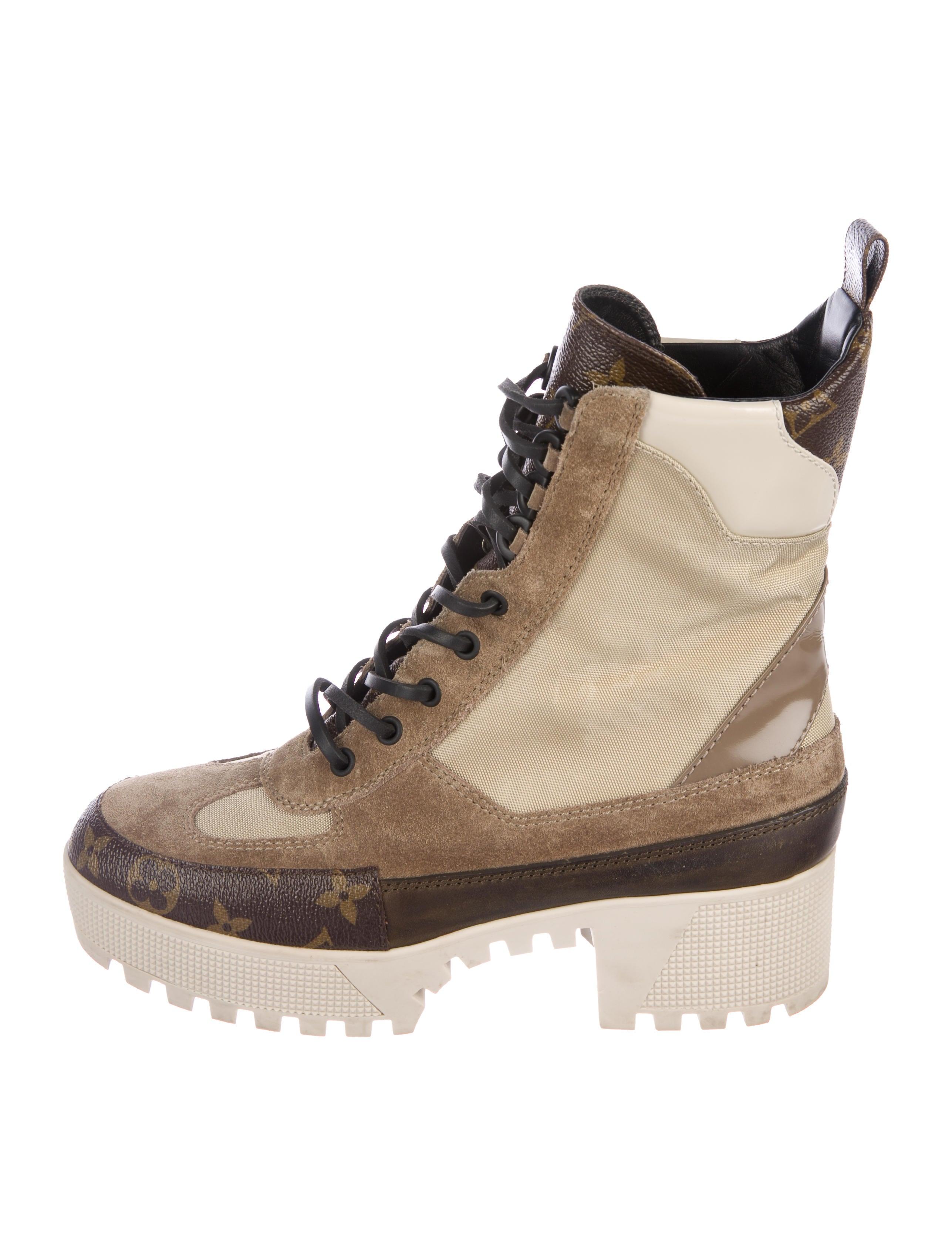 76cd7209cf19 Louis Vuitton 2017 Laureate Platform Desert Boots - Shoes ...