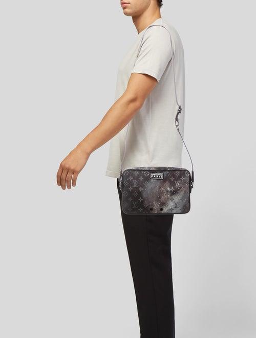 521444fc1aa7 Louis Vuitton 2018 Monogram Galaxy Alpha Messenger Bag w  Tags ...
