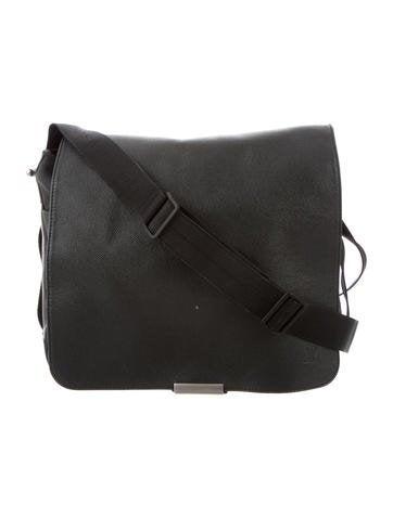 6386b81fa91 Louis Vuitton Messenger Bags   The RealReal
