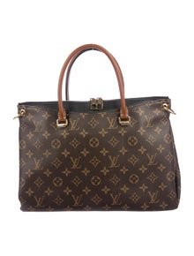 Louis Vuitton. Monogram Pallas Tote 6766c4904442f