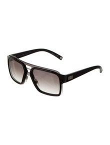 853f8f138a66 Louis Vuitton. Square Gradient Sunglasses