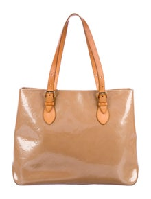 e9527ff32d15 Louis Vuitton. Vernis Brentwood Tote