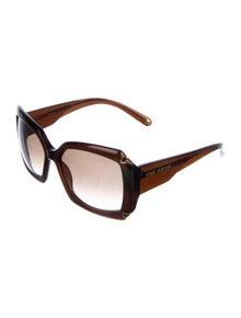 abc99eba80a1e Louis Vuitton. Hortensia Oversize Sunglasses