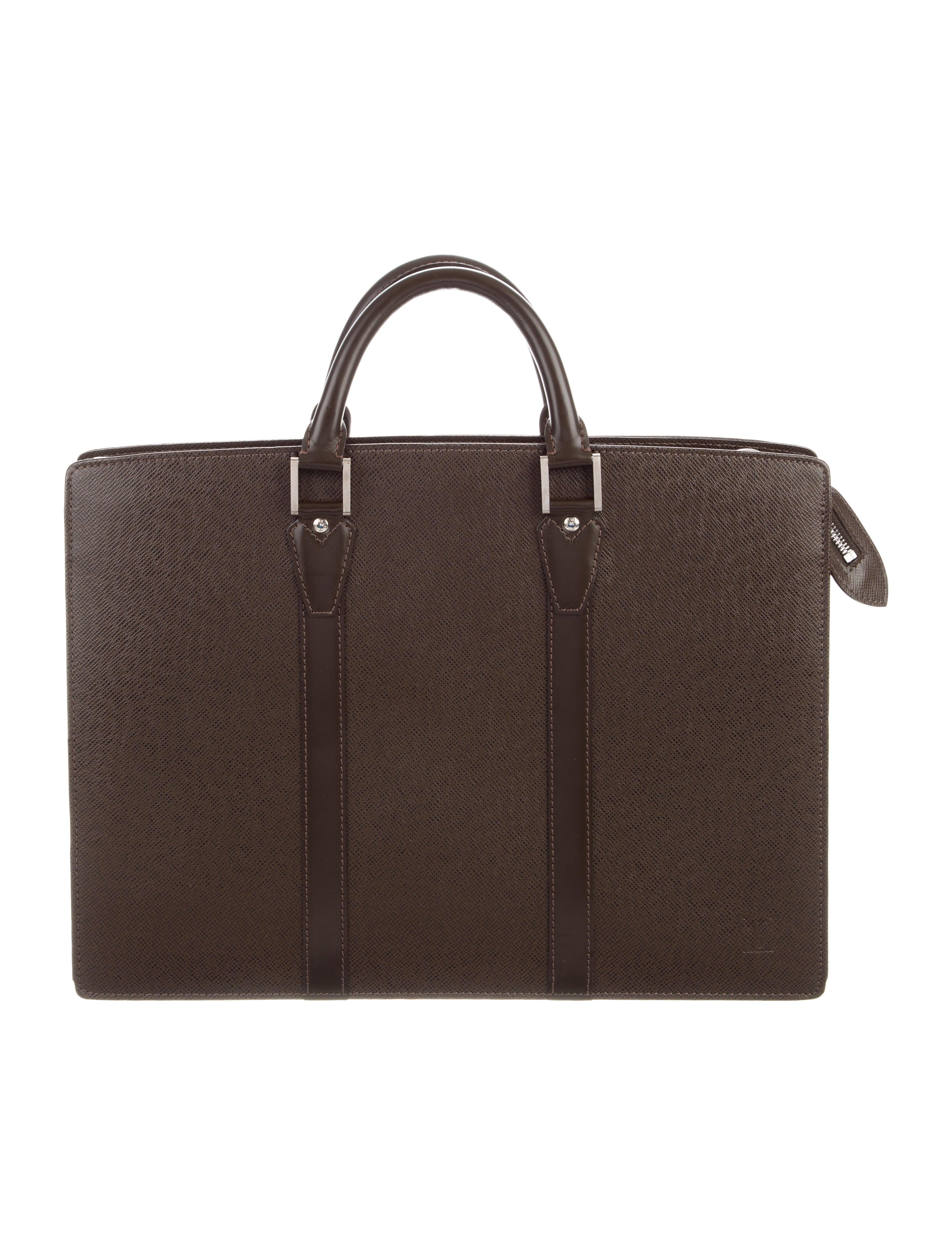 f1c7fa9bbfd7 Louis Vuitton Men | The RealReal