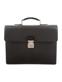 85173c412 Louis Vuitton. Taïga Robusto 2 Briefcase