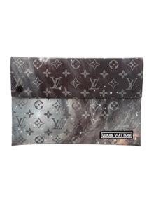 4560ff1e7 Louis Vuitton Portfolios & Pouches | The RealReal