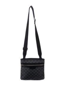 16a16ef28 Louis Vuitton Messenger Bags | The RealReal