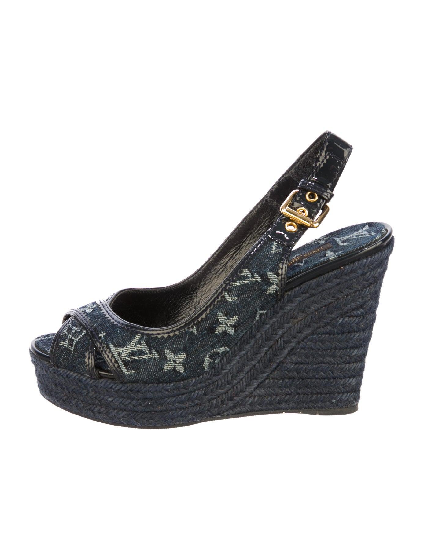 4b3be992ec Louis Vuitton Espadrille Wedges - Shoes - LOU37472 | The RealReal