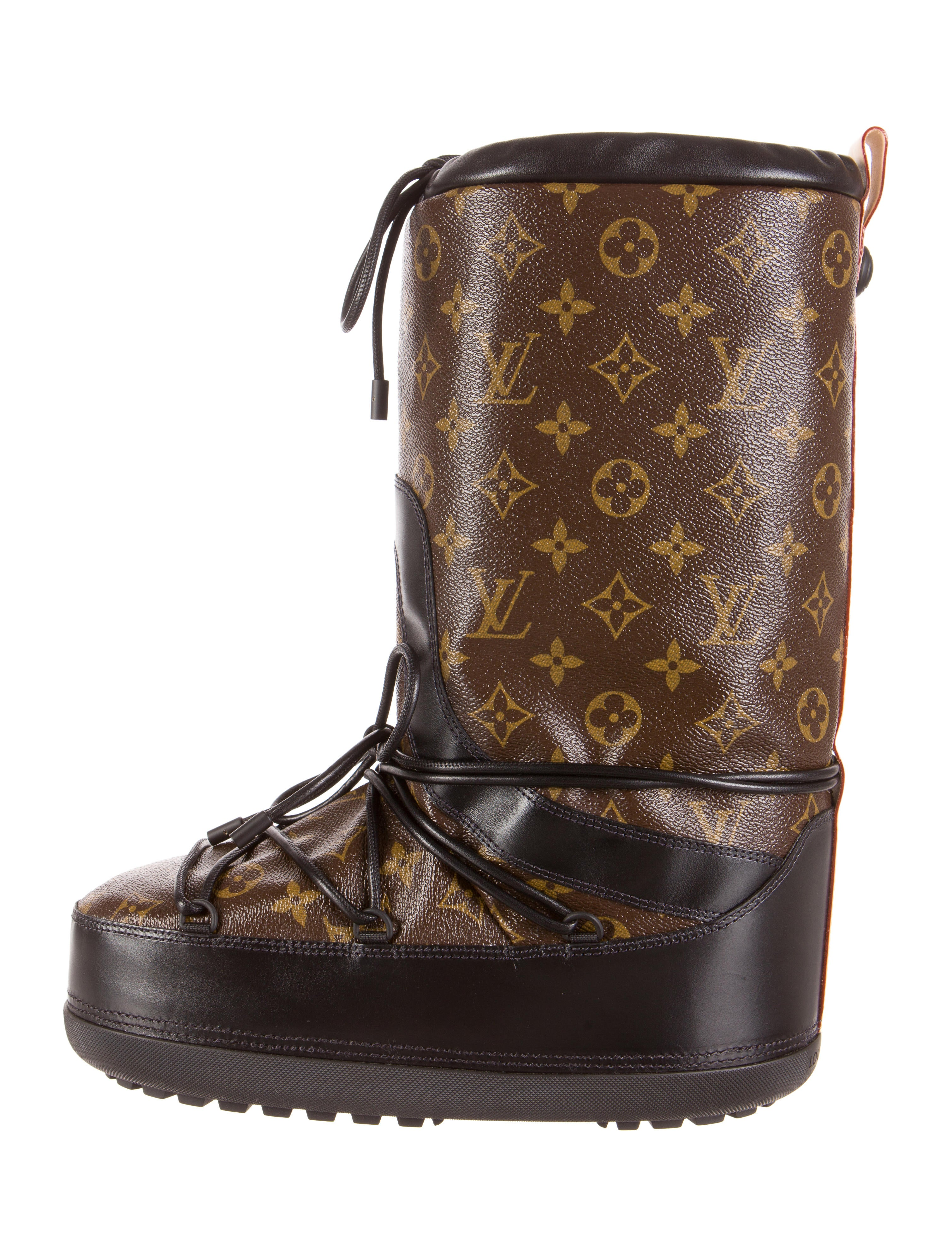 Louis Vuitton Snow Day Boot Shoes LOU56487 The RealReal : LOU564871enlarged from www.therealreal.com size 3016 x 3979 jpeg 1319kB