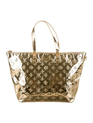 Louis vuitton monogram miroir bellevue gm handbags for Monogram miroir
