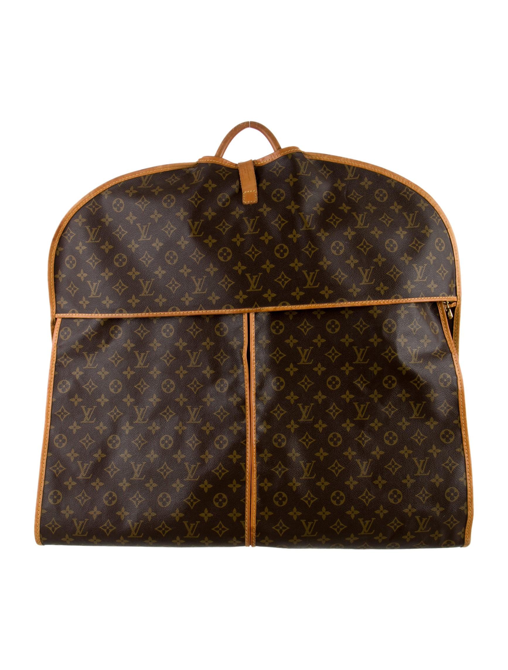 louis vuitton vintage monogram garment cover bags lou64866 the realreal. Black Bedroom Furniture Sets. Home Design Ideas