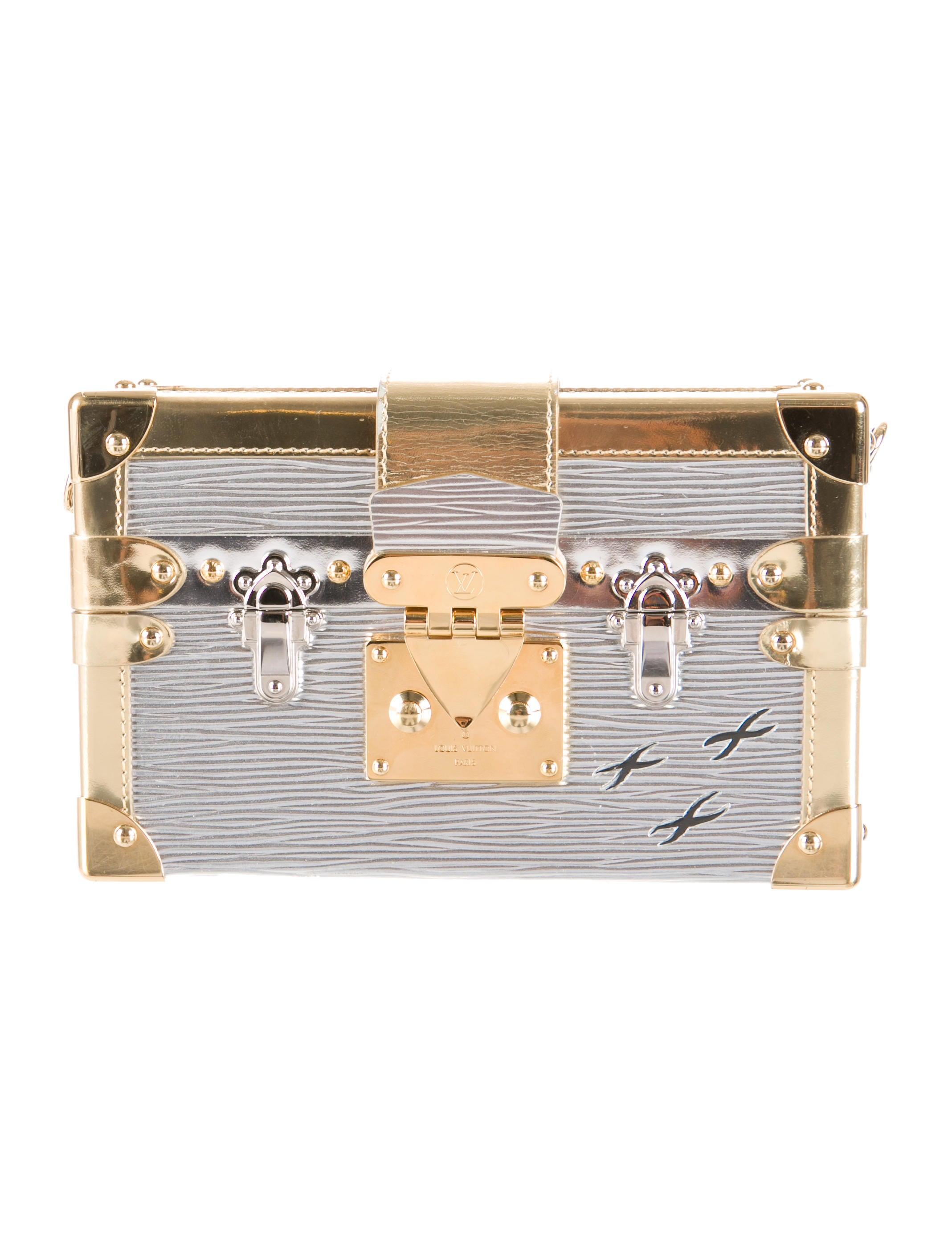 louis vuitton argent petite malle handbags lou67461 the realreal. Black Bedroom Furniture Sets. Home Design Ideas