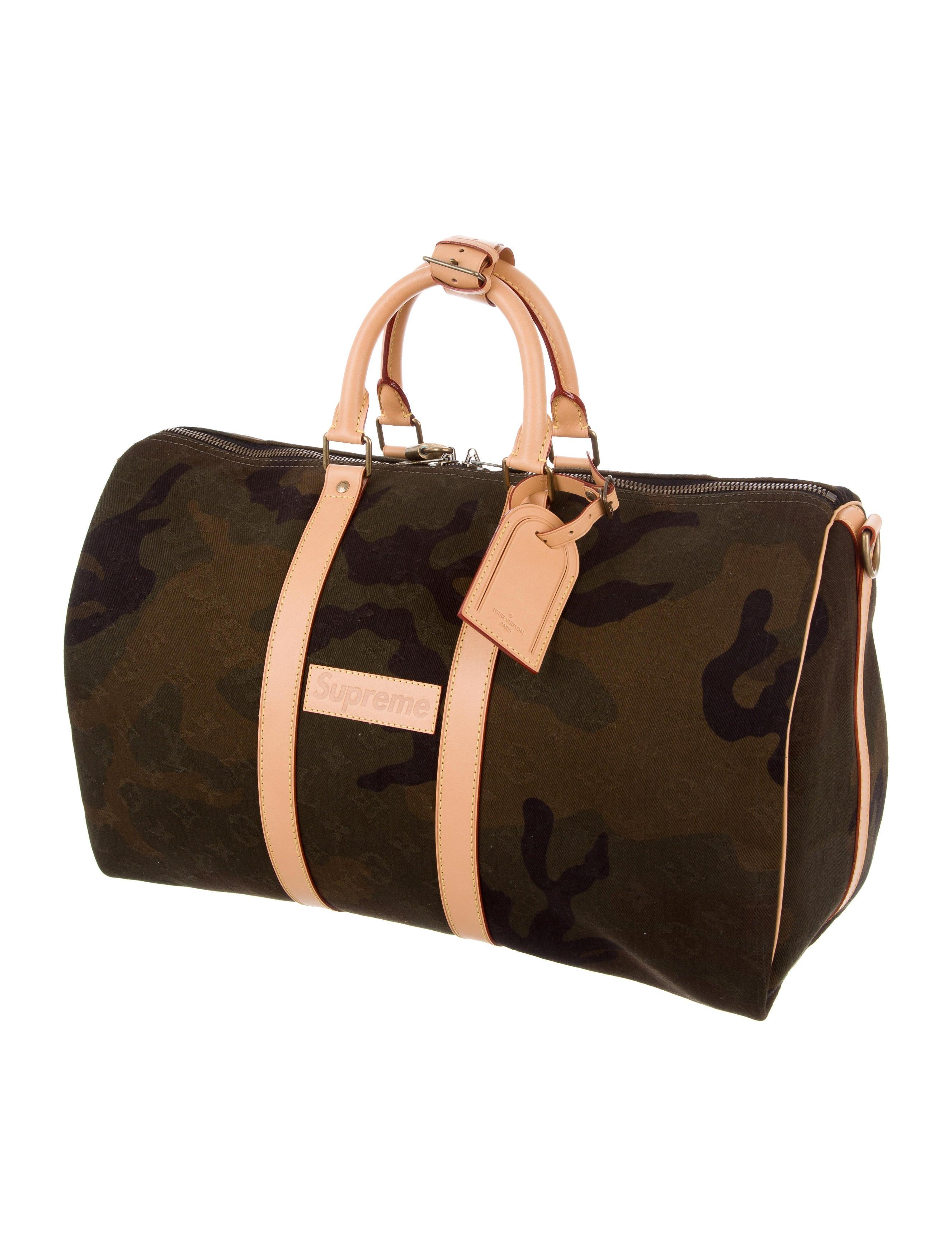 louis vuitton x supreme 2017 monogram camouflage keepall 45 bandouli re bags lousu20038. Black Bedroom Furniture Sets. Home Design Ideas