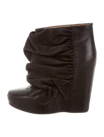 Maison Martin Margiela Leather Wedge Booties None