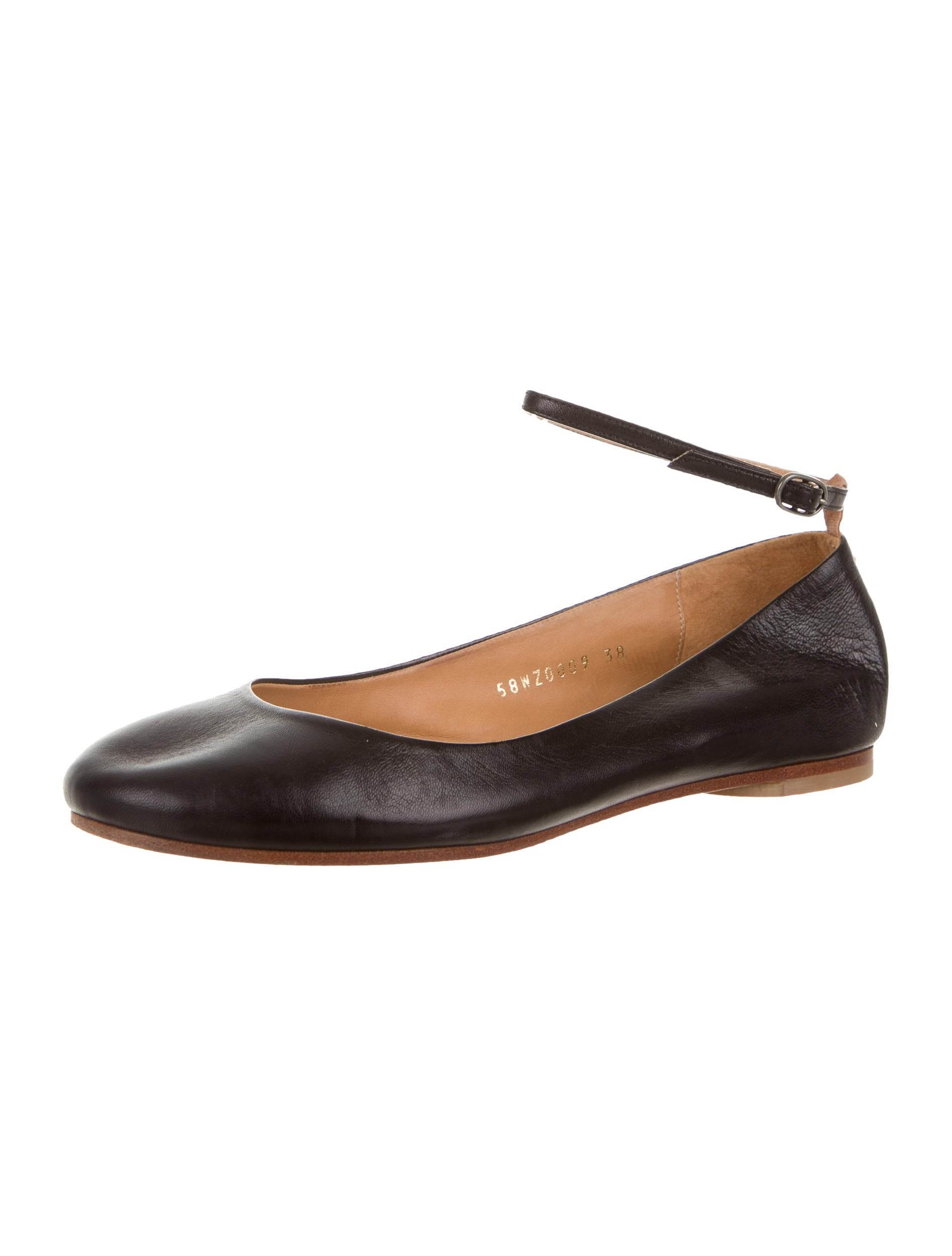 Find leather ankle strap flats at ShopStyle. Shop the latest collection of leather ankle strap flats from the most popular stores - all in one place.