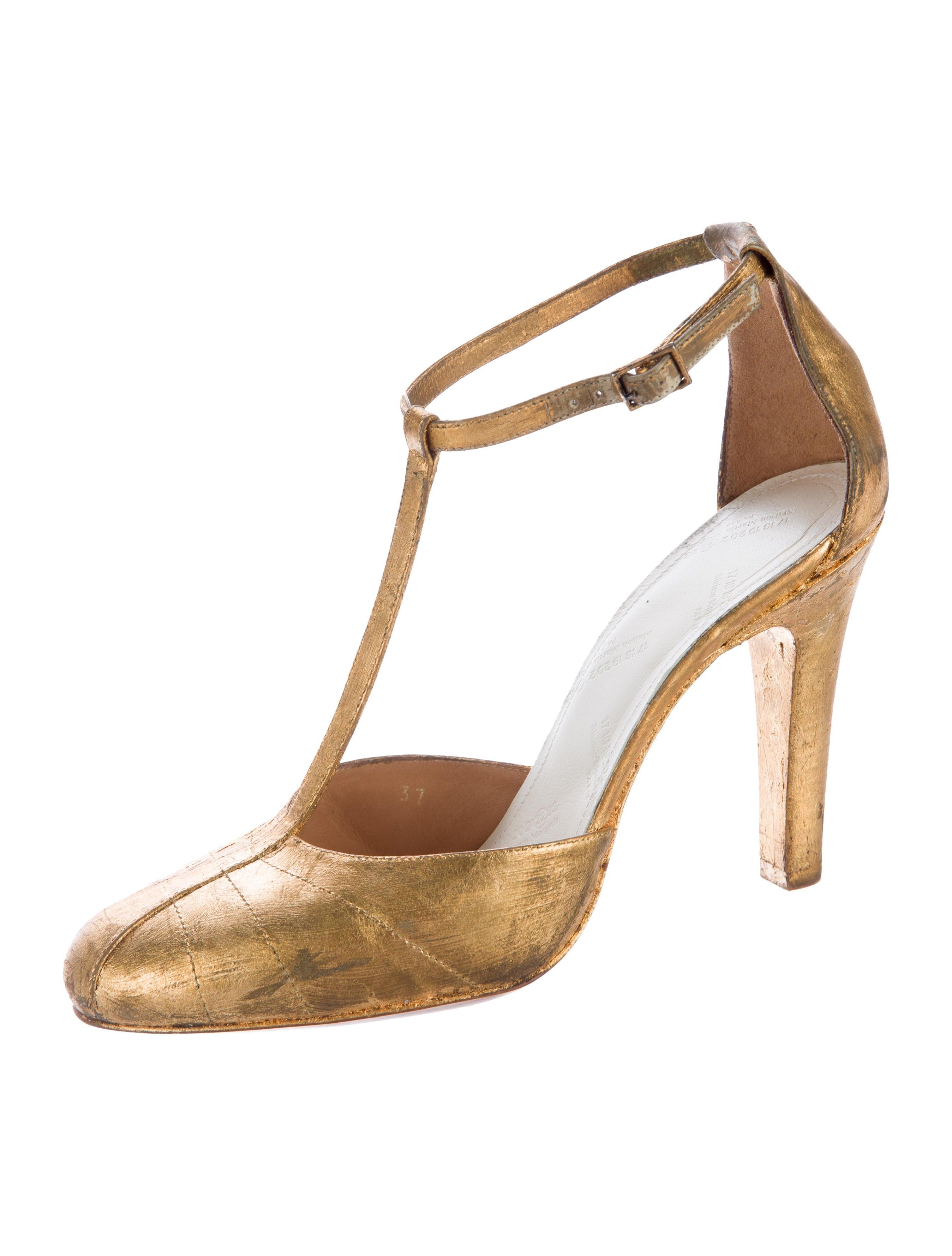 maison margiela metallic t strap pumps shoes mai29079 the realreal. Black Bedroom Furniture Sets. Home Design Ideas