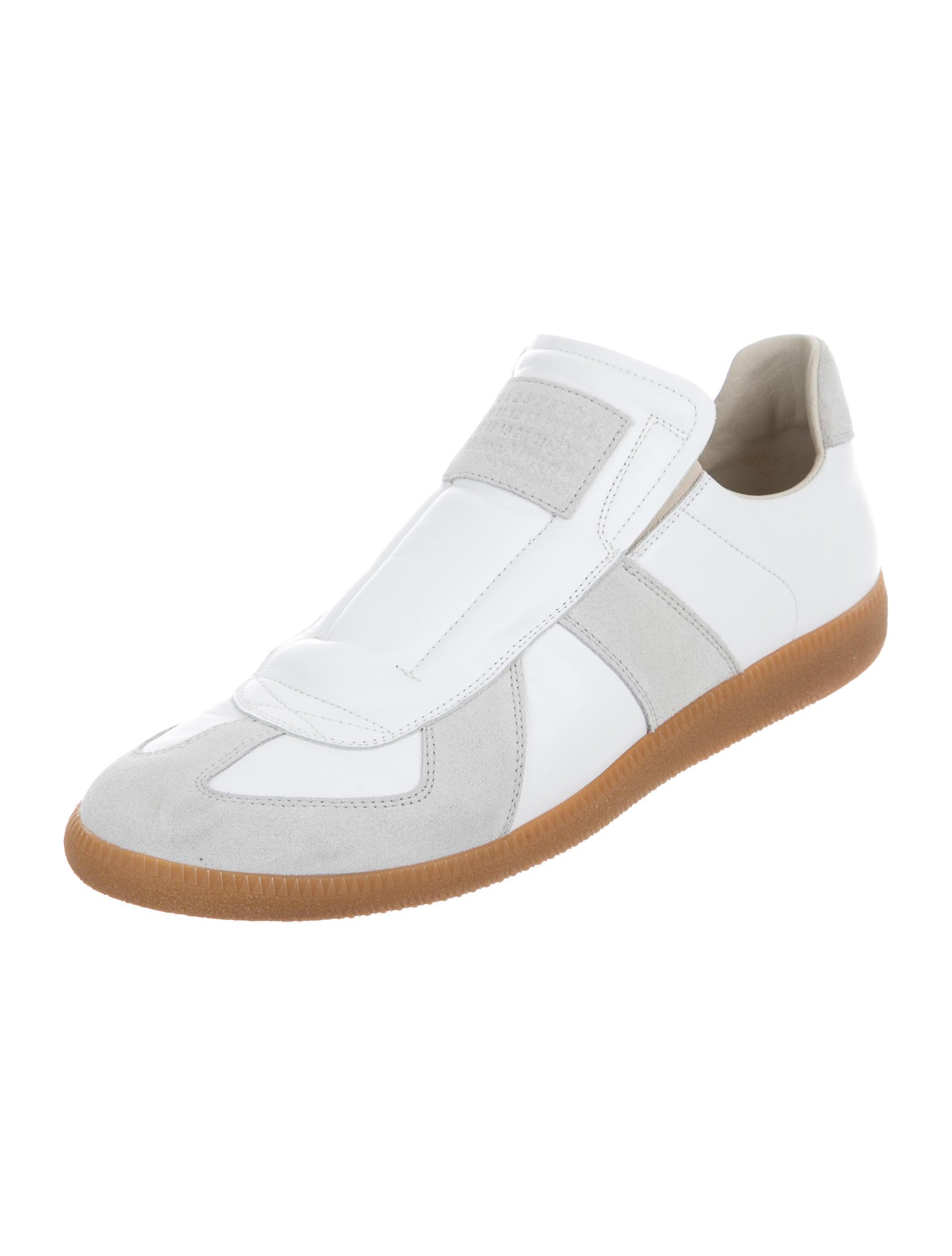 maison margiela replica slip on sneakers shoes mai29765 the realreal. Black Bedroom Furniture Sets. Home Design Ideas