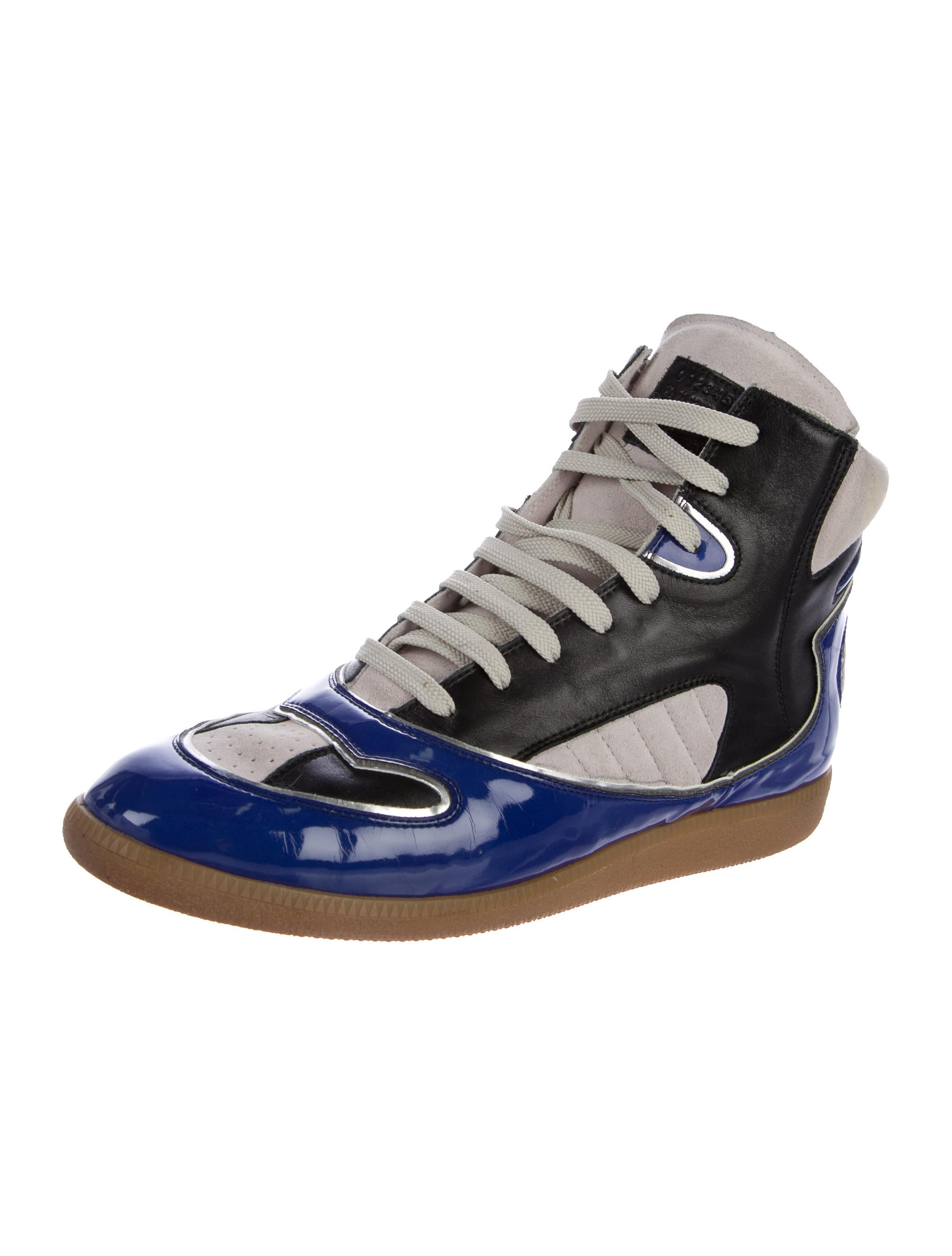 maison margiela leather high top sneakers shoes mai31477 the realreal. Black Bedroom Furniture Sets. Home Design Ideas
