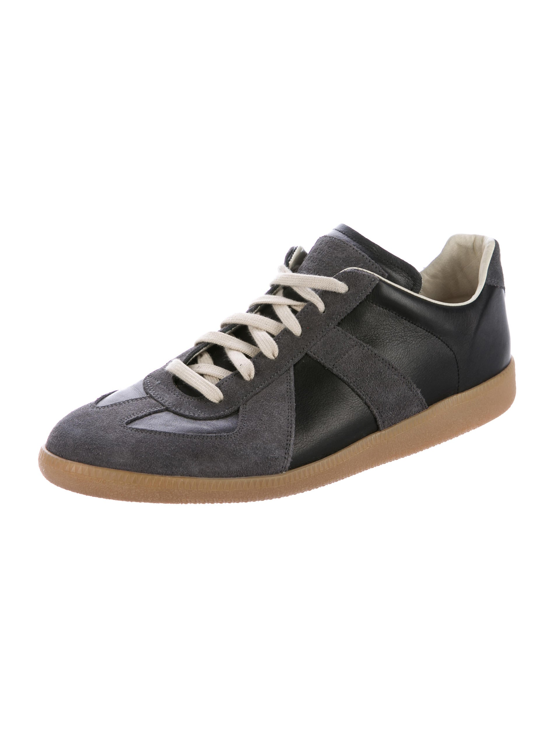 maison margiela replica leather sneakers shoes mai31807 the realreal. Black Bedroom Furniture Sets. Home Design Ideas