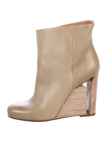 Maison Margiela Leather Ankle Wedge Boots None
