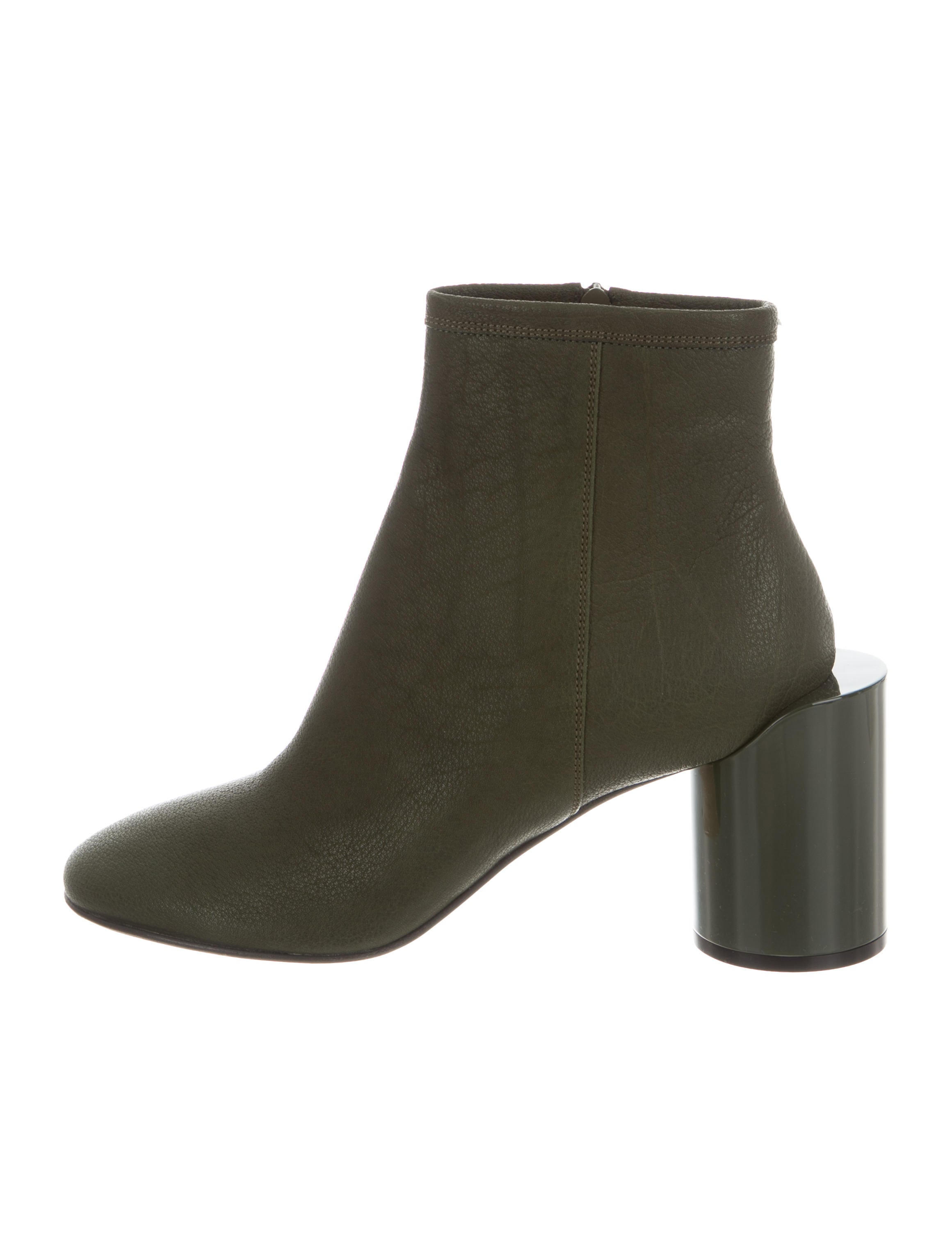cheap sale get to buy Maison Margiela Round-Toe Ankle Boots w/ Tags buy cheap footlocker pictures for sale O82CrwNm