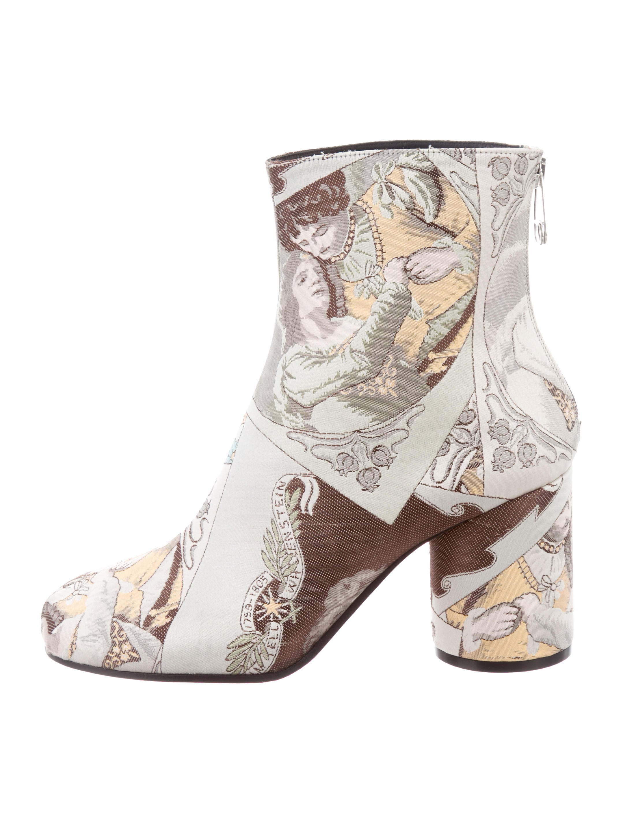 Maison Margiela Satin Printed Ankle Boots w/ Tags outlet where to buy reliable sale online FHBPCUd