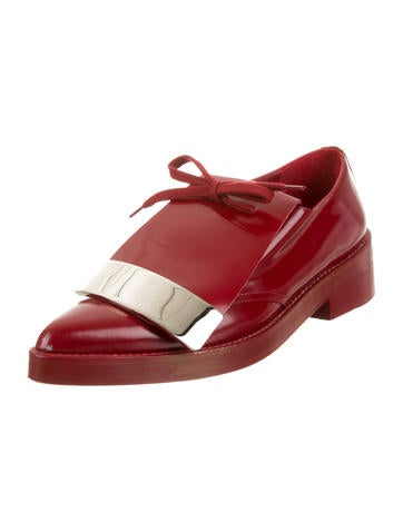 Pointed-Toe Oxfords