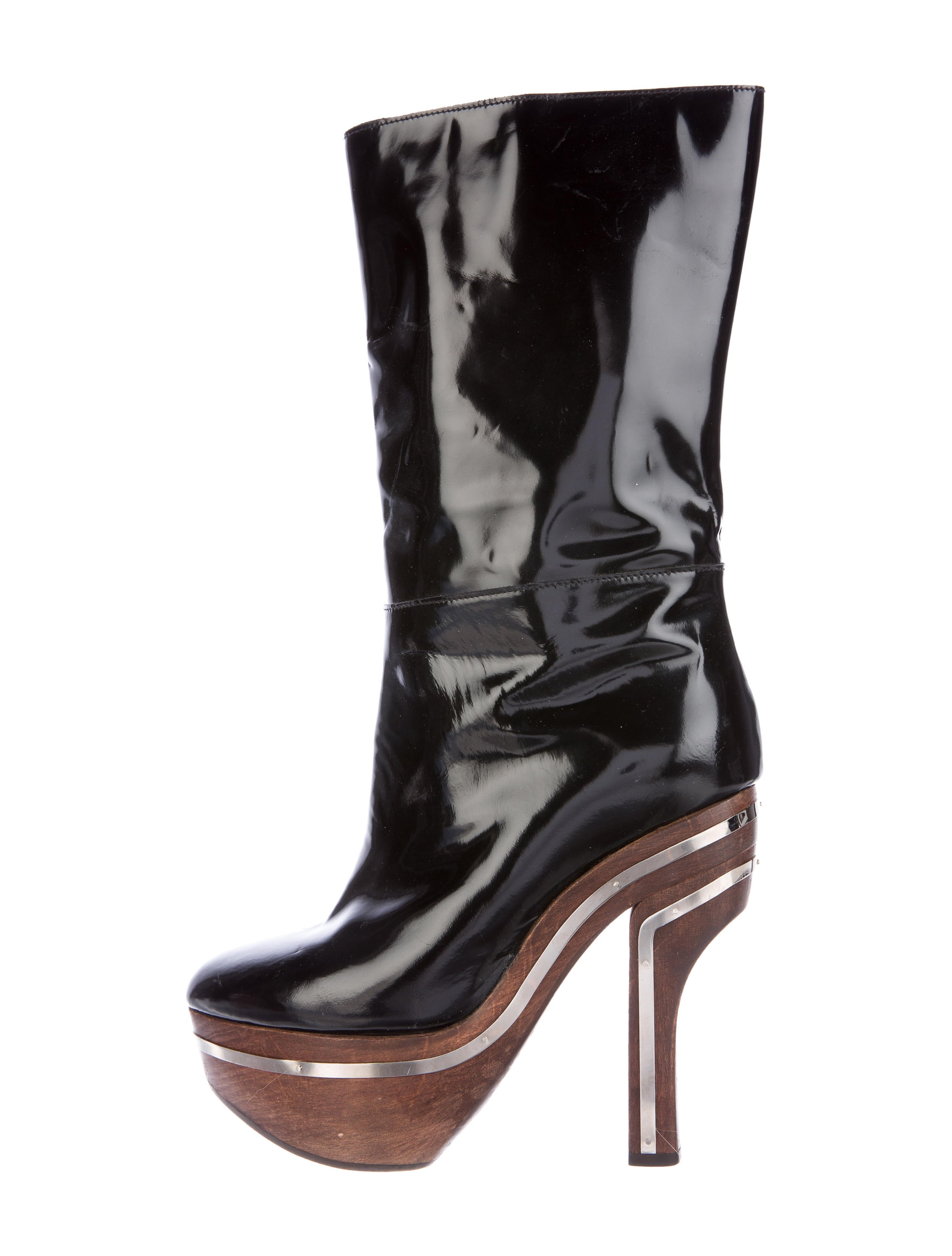 We have thigh high, crotch boots as well as chap boots in various colors and heel heights. Every fashionista should have at least one pair of thigh-highs in her closet! 5