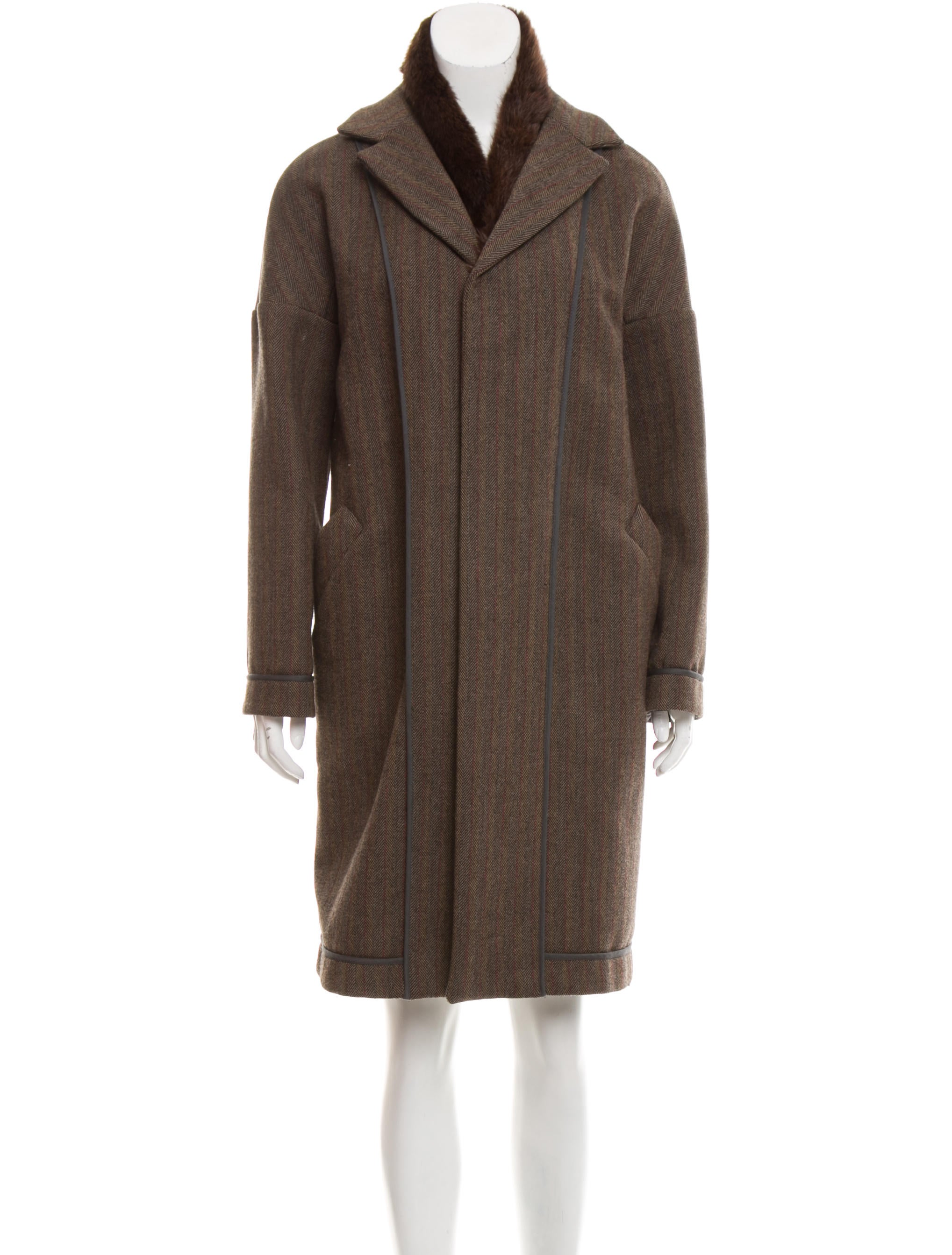 Find fox fur trim wool coat at ShopStyle. Shop the latest collection of fox fur trim wool coat from the most popular stores - all in one place.