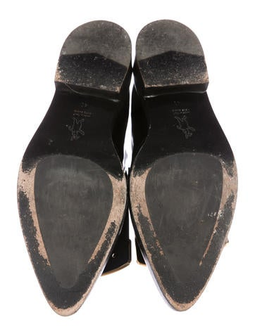 Leather Pointed-Toe Oxfords