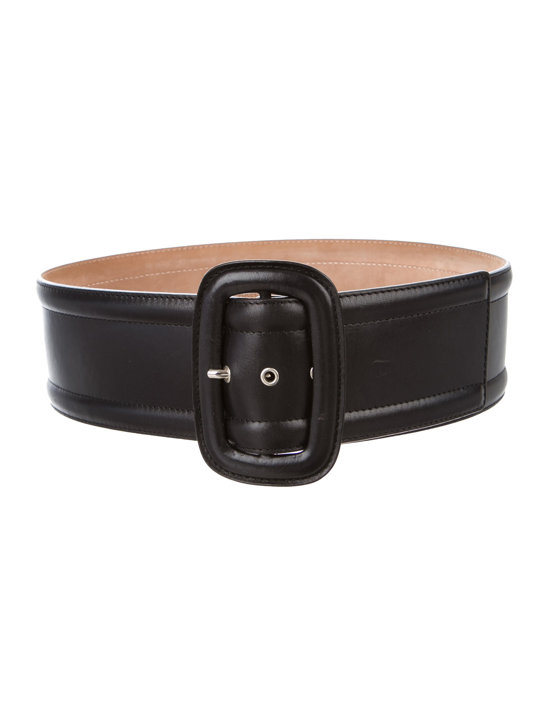 Discover the range of women's belts at ASOS. From stylish waist belts to classic leather styles, choose from a variety of buckles and colours.