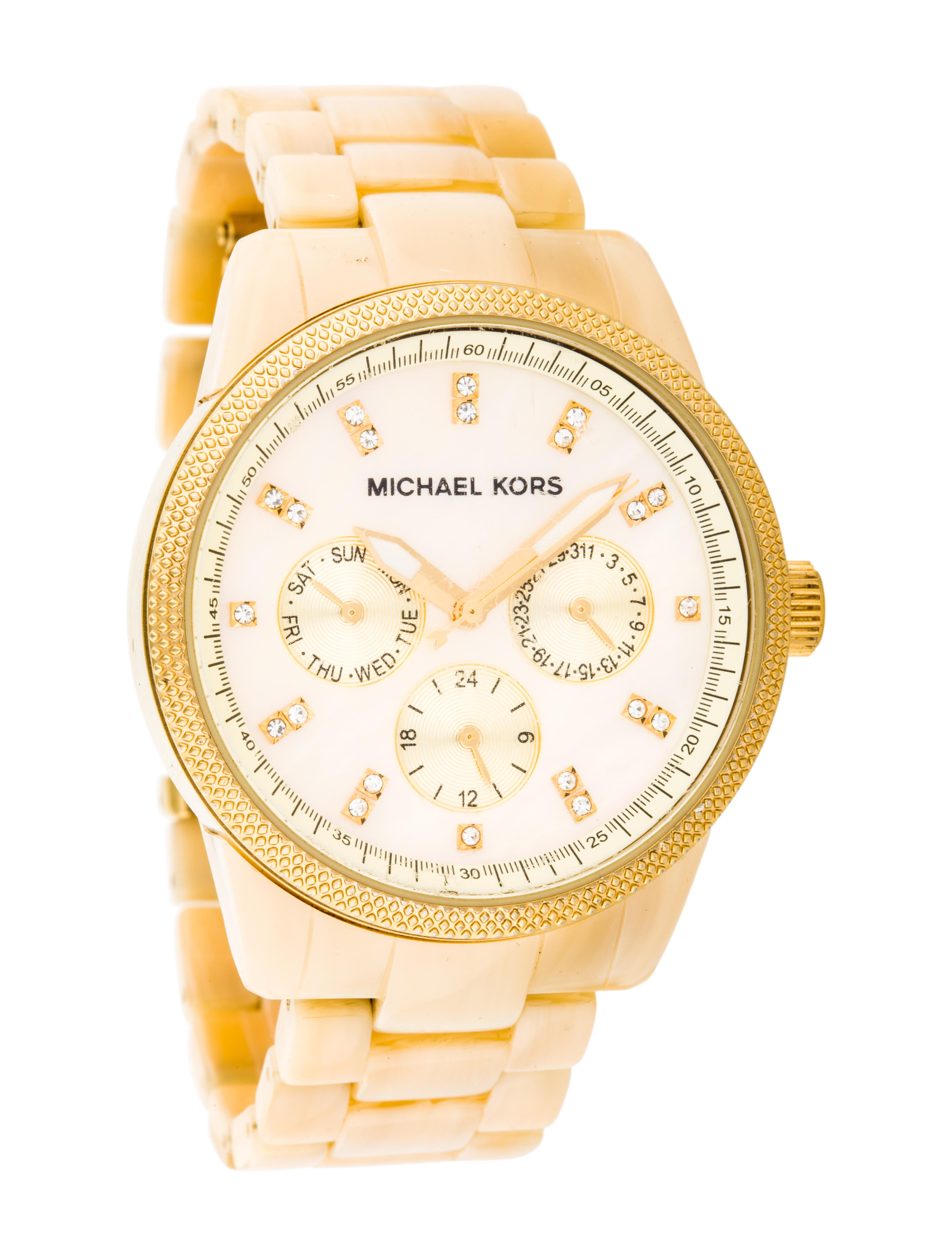 Michael Kors MK Instructions Manual. lap (up to laps). 3. Press D to display current set; press D again to switch to the next set. 4. Press and hold D 3 seconds to delete all stored data in the current set displayed. Hey there have the m k gold silver watch and date is set too far in advance (2days) . How can I change it back?
