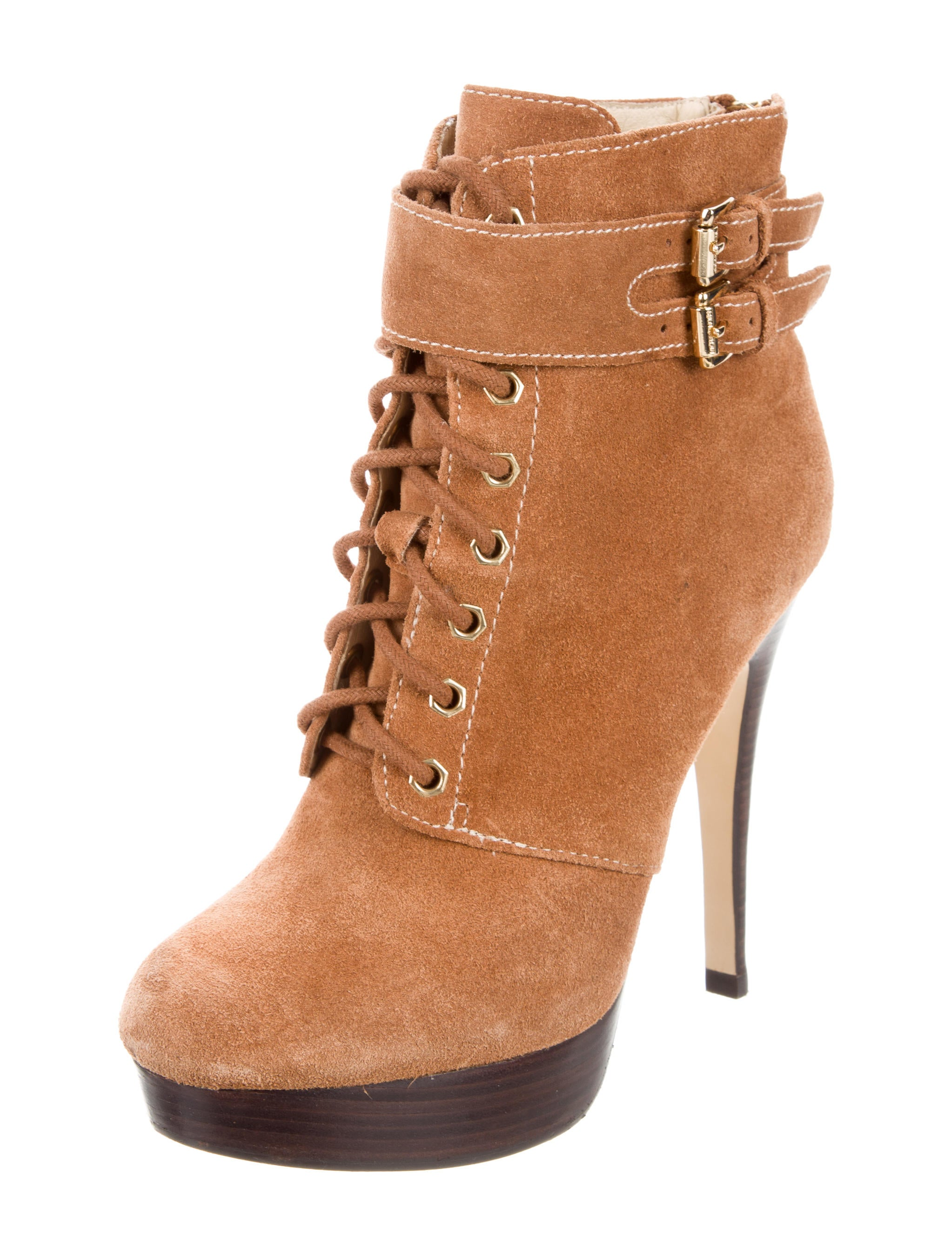We have sexy shoes in all colors and sizes, You will find pumps, stiletto, sandals, high heels, platform, sexy boots and thigh high boots.