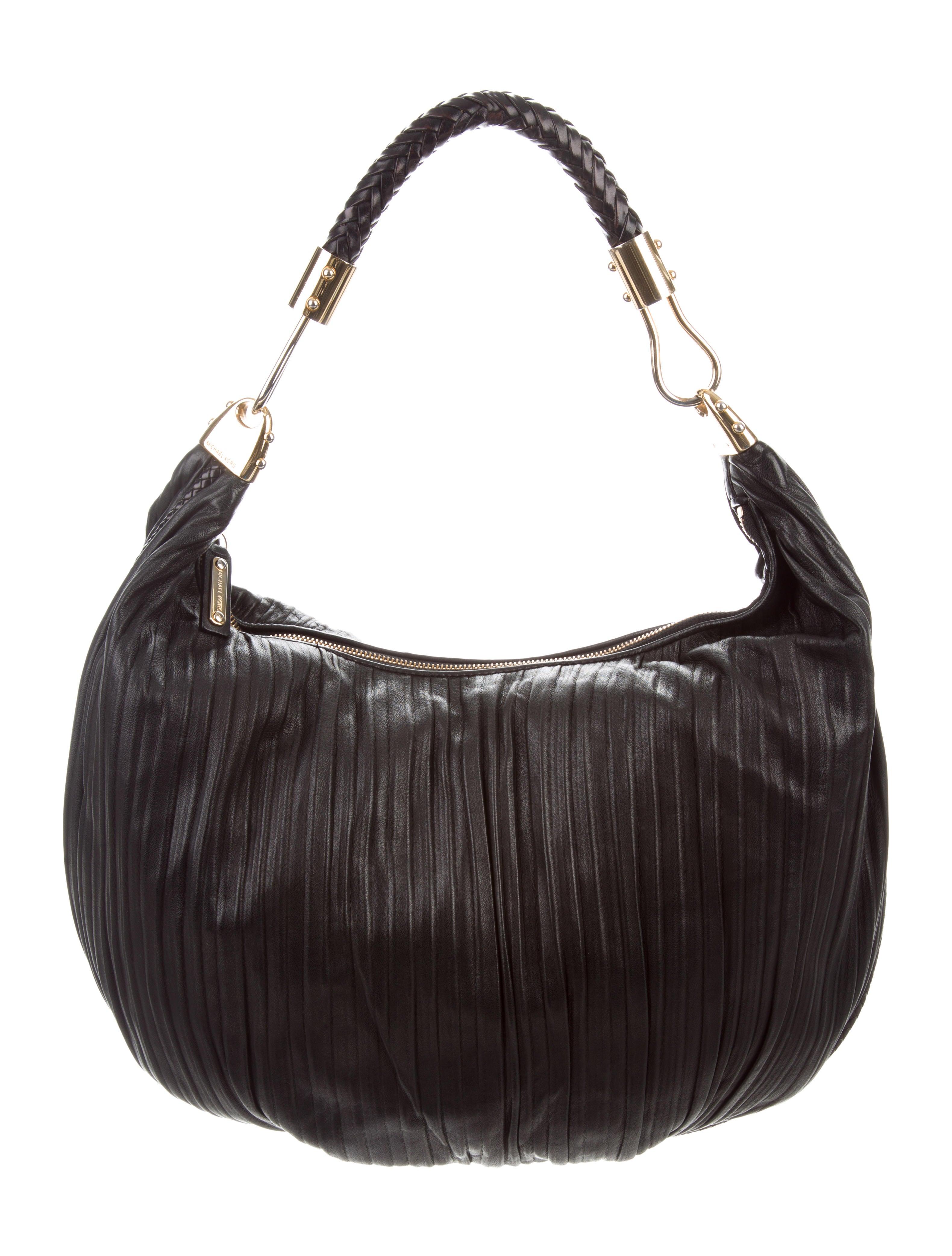 386be1d1280a Michael Kors Skorpios Leather Hobo - Handbags - MIC78332 | The RealReal