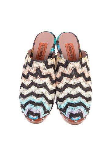 Chevron Clogs