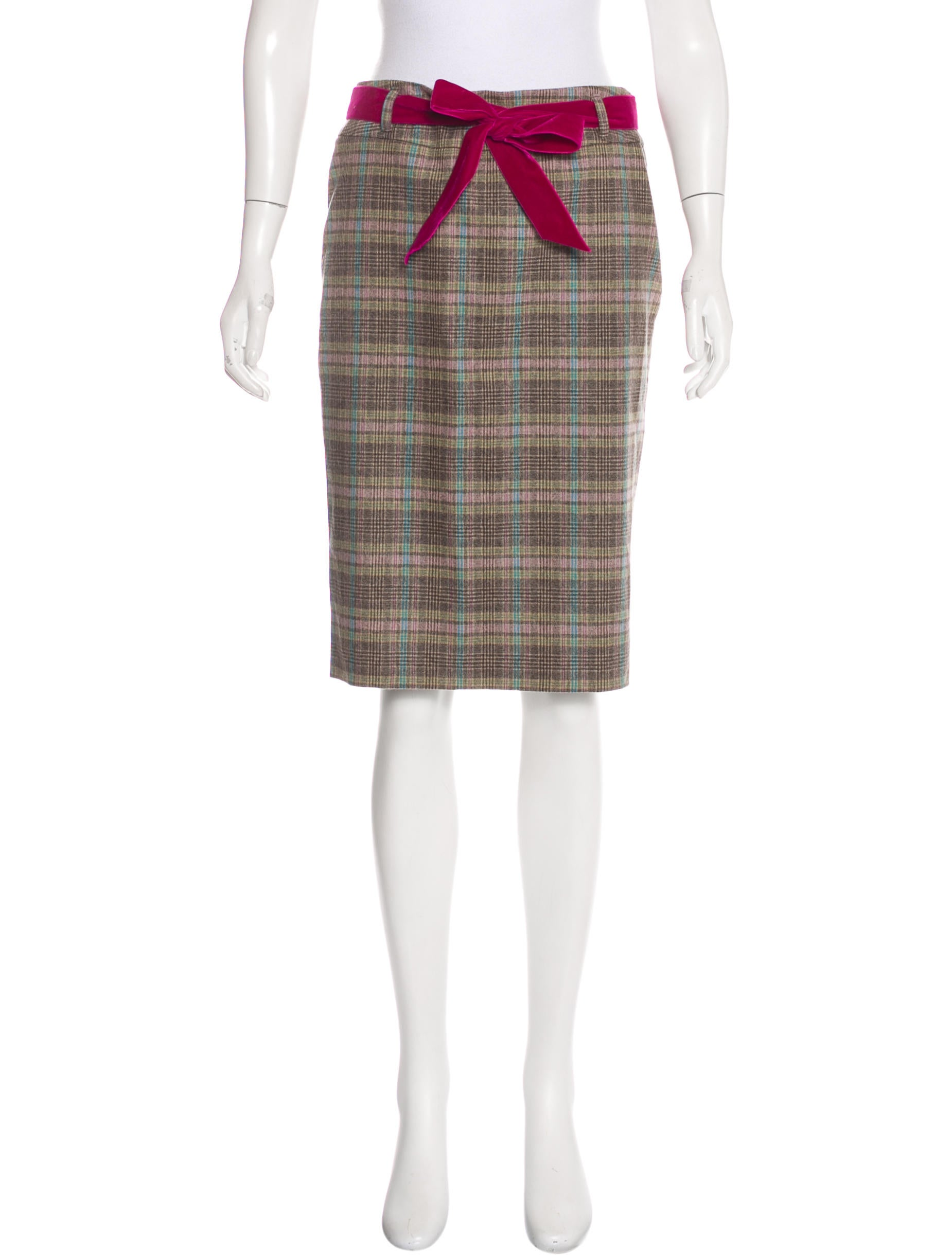 50s -Home Sewn- Womens pleated blended wool plaid skirt with side zipper and button close. Plaid is in black with white and grey. Pleats are stitched 5. 50in below waistband.