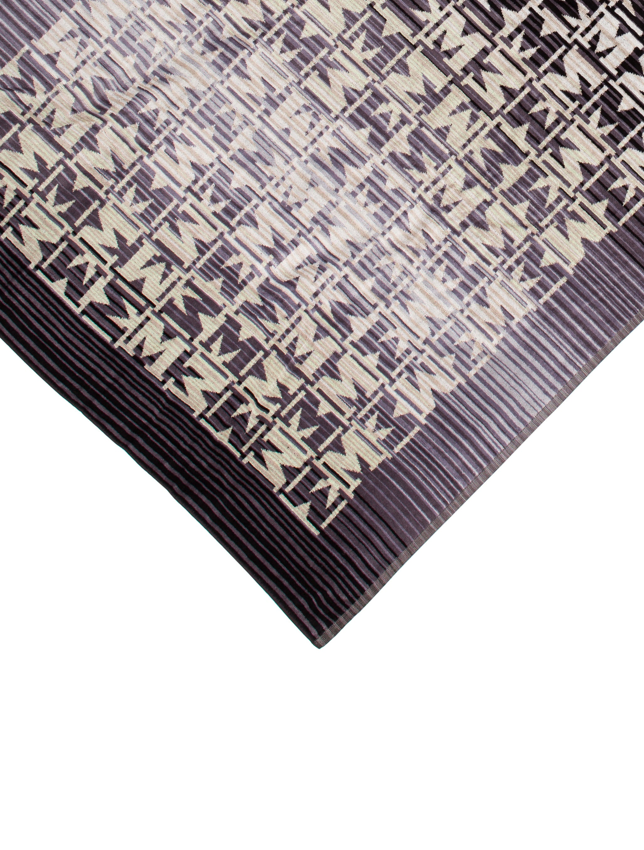missoni logo beach towel w tags bedding and bath. Black Bedroom Furniture Sets. Home Design Ideas