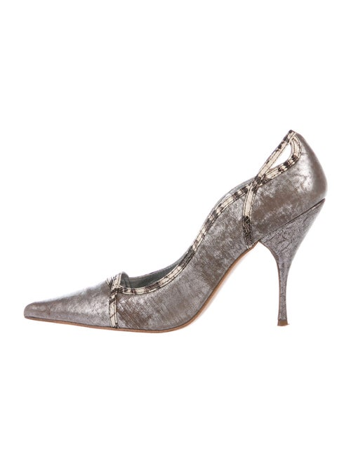 Miu Miu Leather Distressed Accents Pumps Metallic