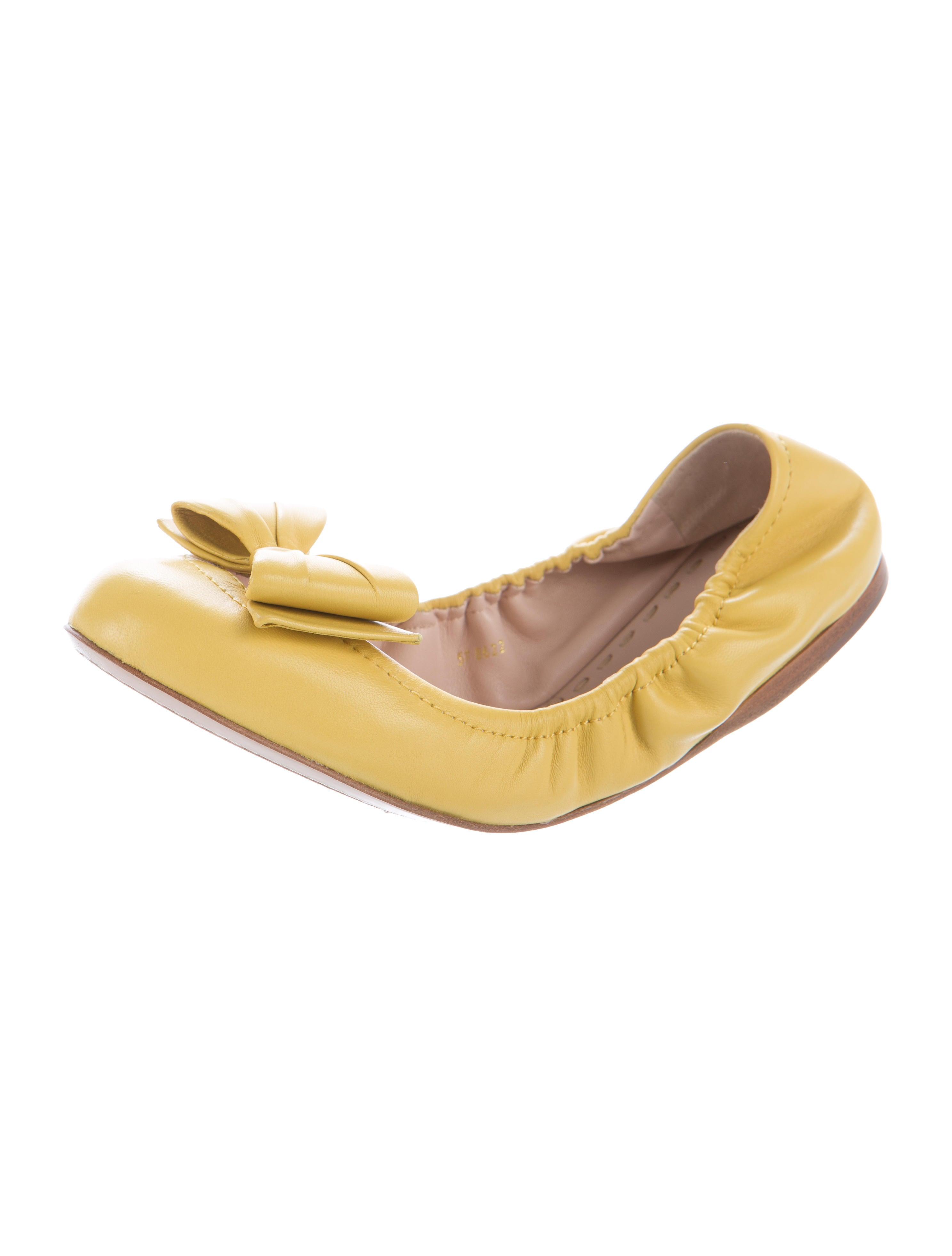 miu miu leather ballet flats shoes miu46744 the realreal