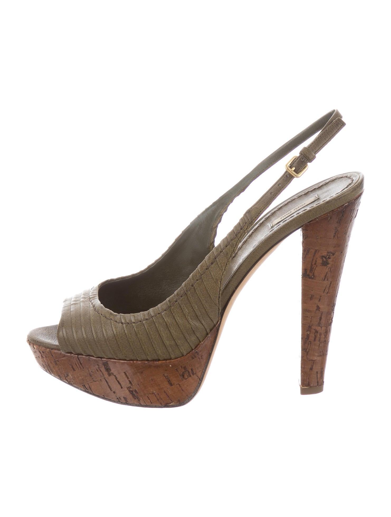 miu miu peep toe platform pumps shoes miu51518 the
