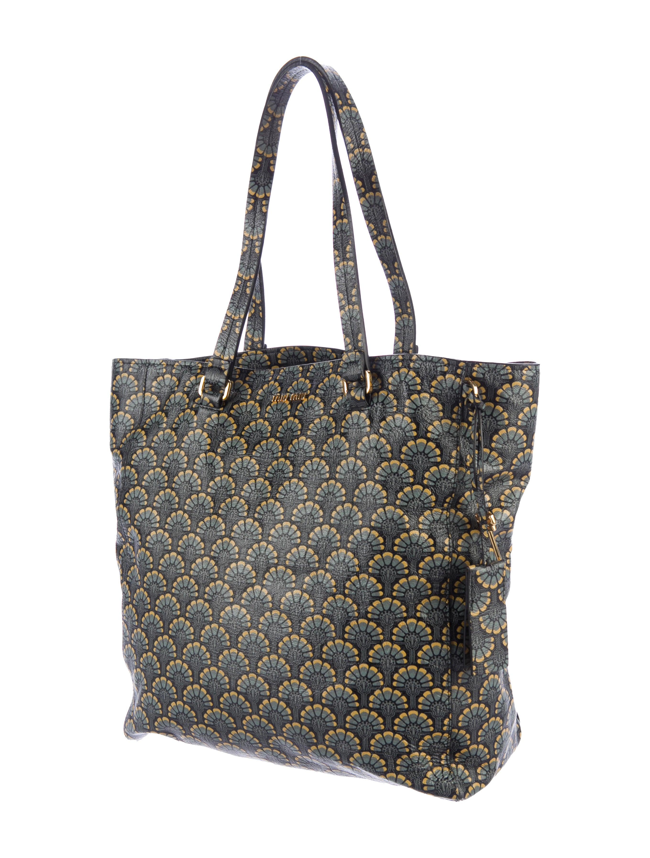 miu miu madras printed shopping tote handbags miu51742 the realreal. Black Bedroom Furniture Sets. Home Design Ideas