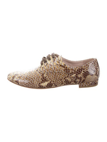 Miu Miu Embossed Round-Toe Oxfords w/ Tags purchase cheap online free shipping for cheap buy cheap authentic gBo5vhNaDD