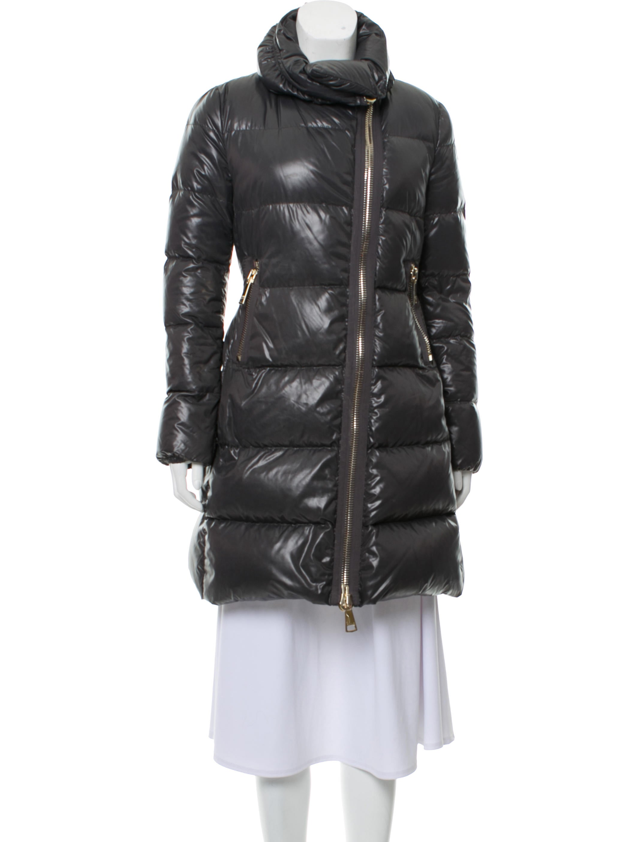 moncler joinville down coat clothing moc35470 the realreal rh therealreal com