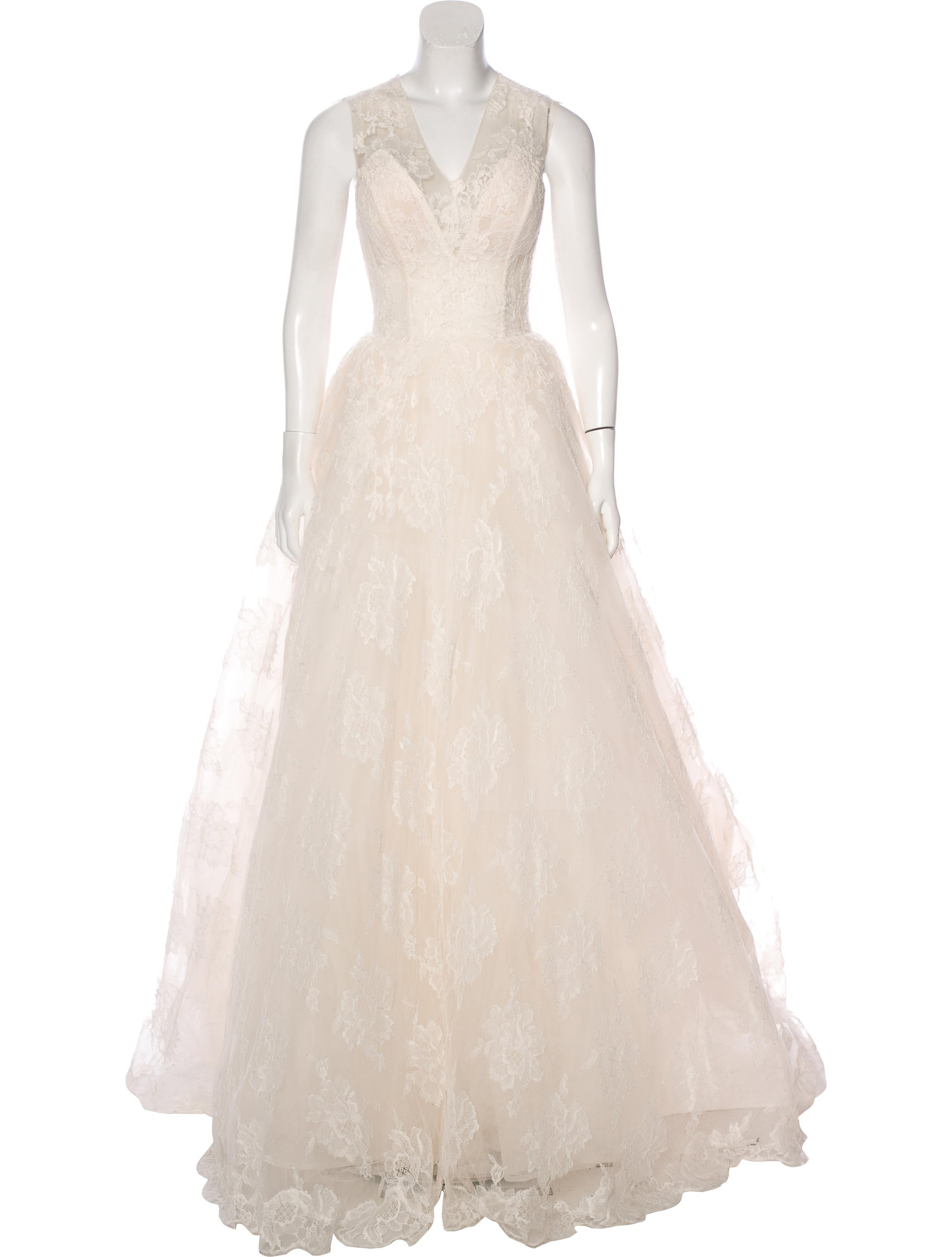 Monique lhuillier chantilly lace wedding gown clothing for Chantilly lace wedding dress