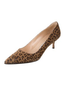 af91539f8 Manolo Blahnik. Pointed-Toe Printed Pumps