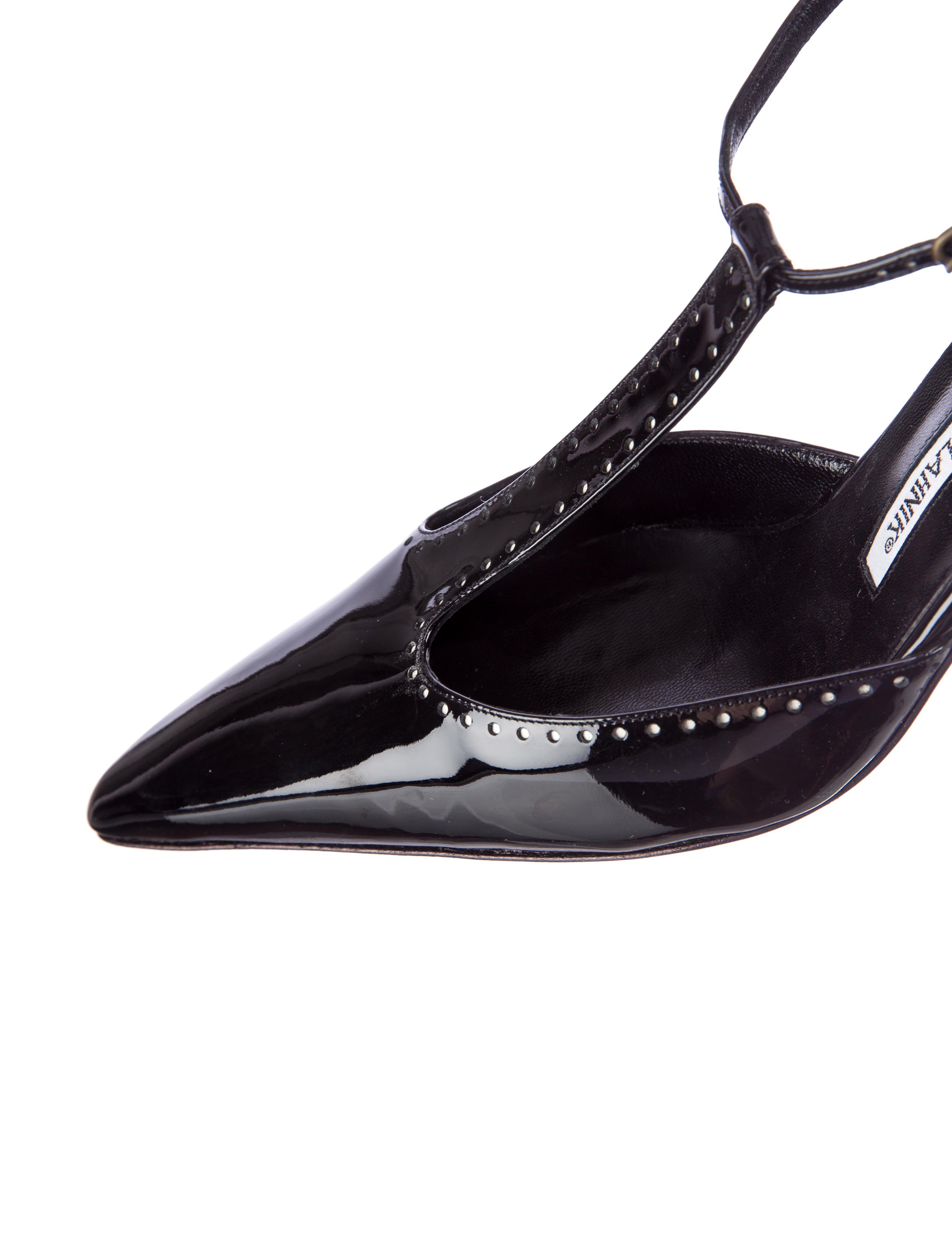 manolo blahnik t strap pumps shoes moo33039 the realreal. Black Bedroom Furniture Sets. Home Design Ideas