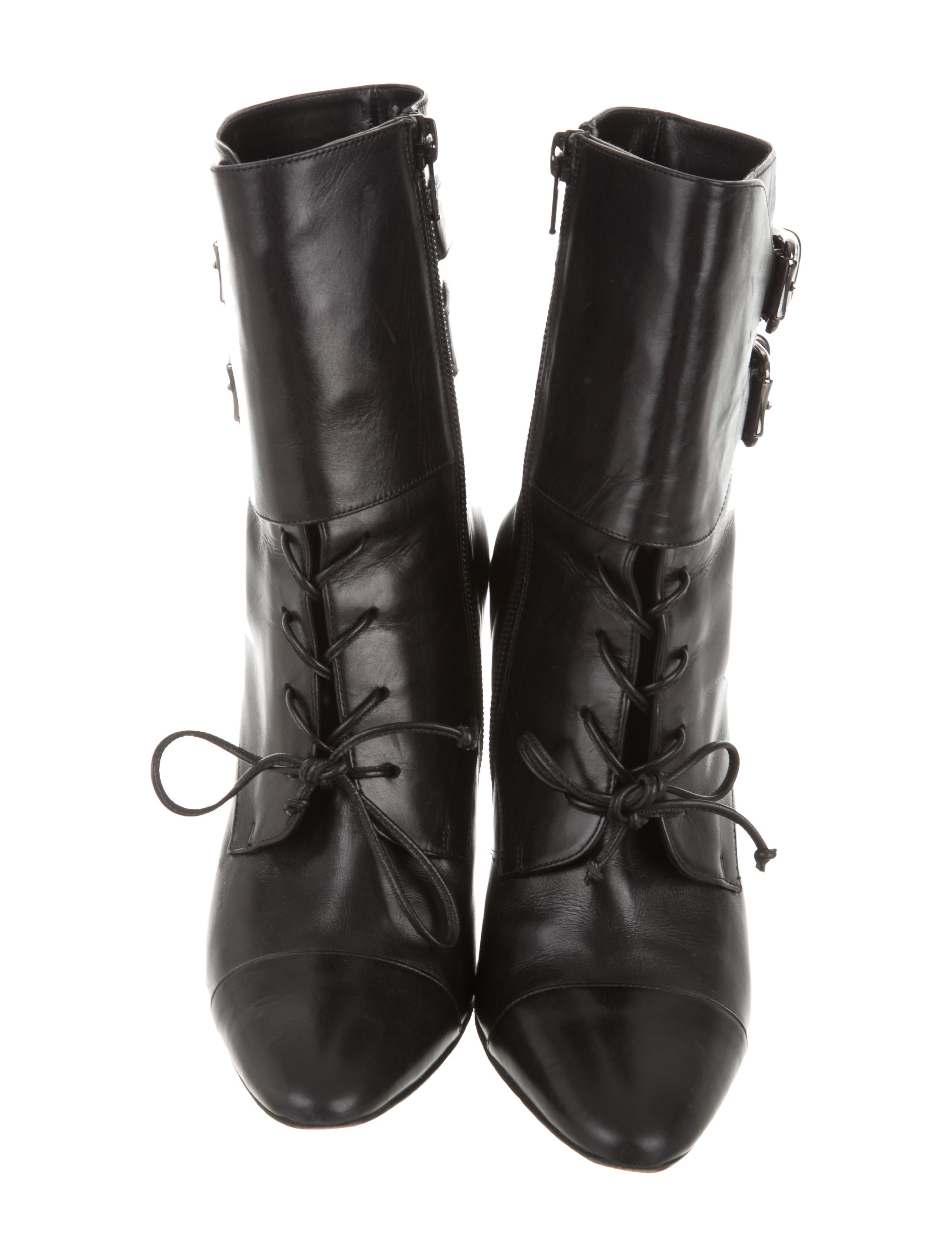 Manolo Blahnik Leather Lace-Up Ankle Boots - Shoes ...