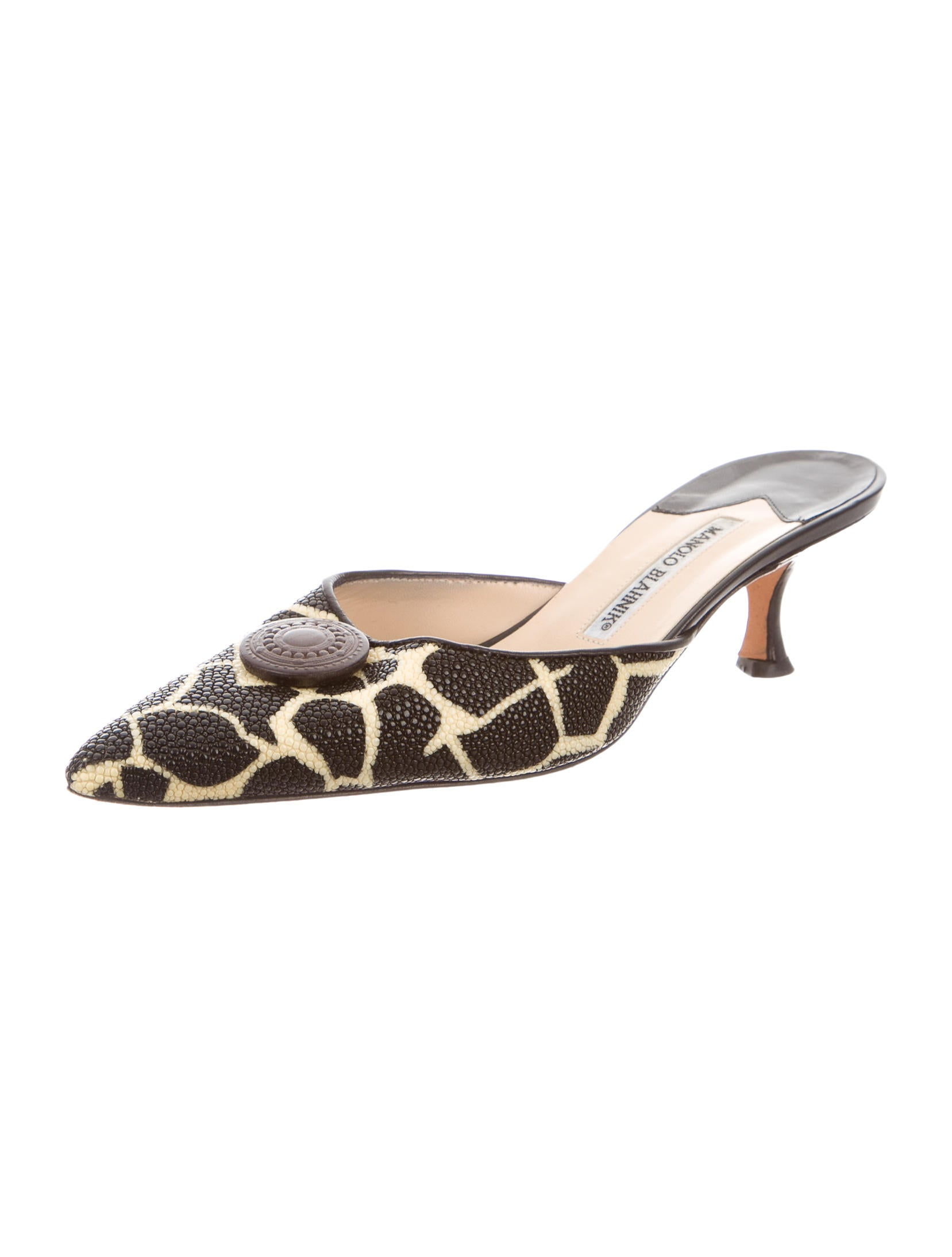 low price fee shipping outlet visit new Manolo Blahnik Stingray Pointed-Toe Mules cheap latest buy cheap 2014 unisex buy online authentic p1iftRg64